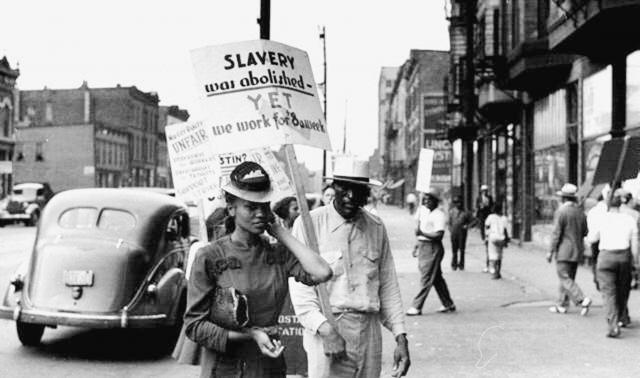 Picket line at the Mid City Realty Company, Chicago Illinois, July 1941 © John Vachon, FSA-OWI Collection
